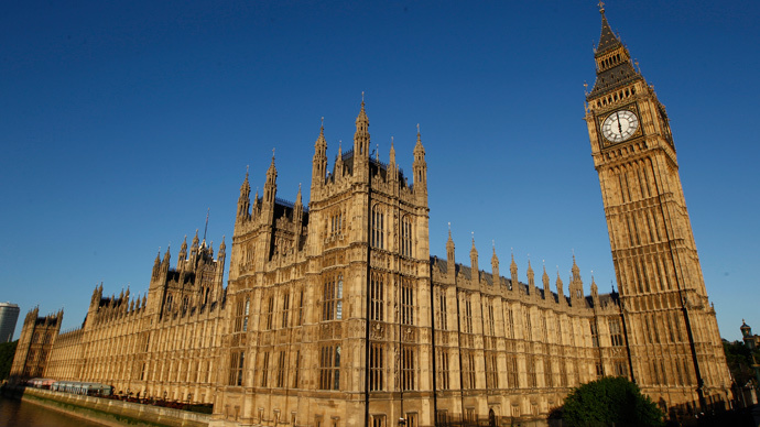 Tories pledge devolution, EU referendum, but waver on British Bill of Rights in Queen's Speech
