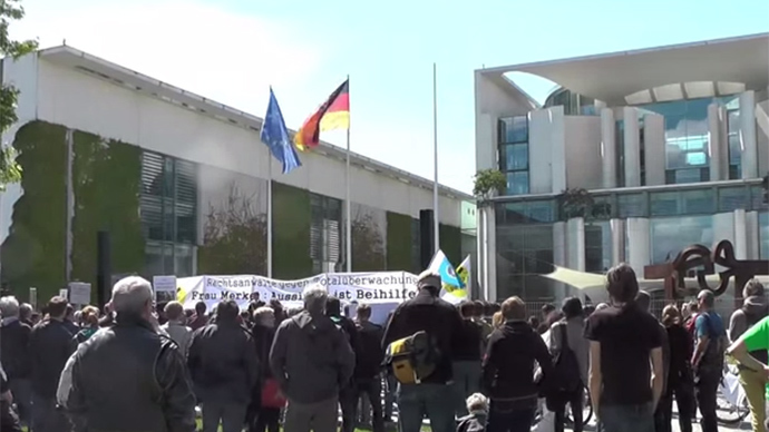 Men in Black: Lawyers protest mass surveillance in Berlin (VIDEO)