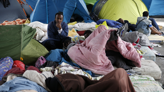 Paris orders closure of illegal migrants camp in northern suburb fearing disease & epidemic