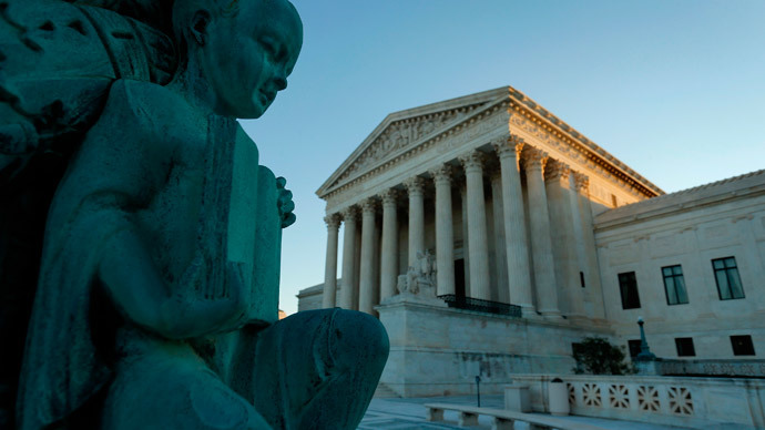 Supreme Court throws out conviction of man who made threats on Facebook