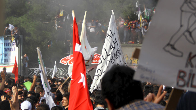 Two killed, over 100 wounded in blasts at pro-Kurdish rally in Turkey