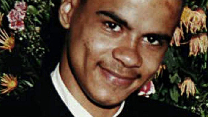 Mark Duggan family: Firearms officers 'protecting' gun sellers, policing inquiry needed
