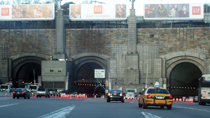 At least 18 injured after buses collide in NYC's Lincoln Tunnel