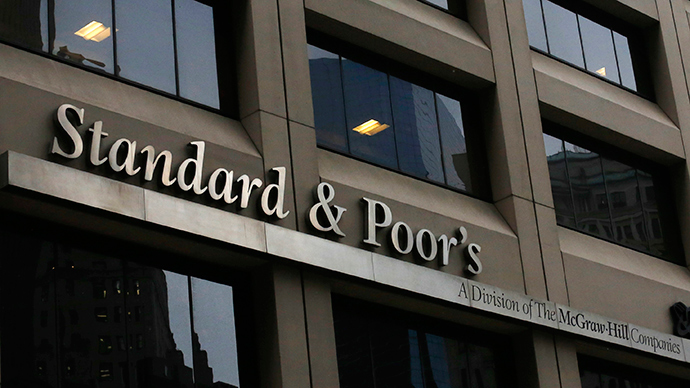 S&P downgrades Greece, warns of default if no deal with creditors