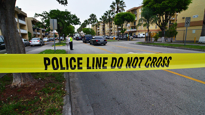 Miami cop kills homeless man in park in front of dozens of kids