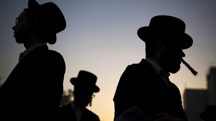 Spain to grant citizenship to descendants of Jews it persecuted in 1492