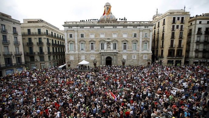 'Outraged' opposition mayors take control of Madrid & Barcelona
