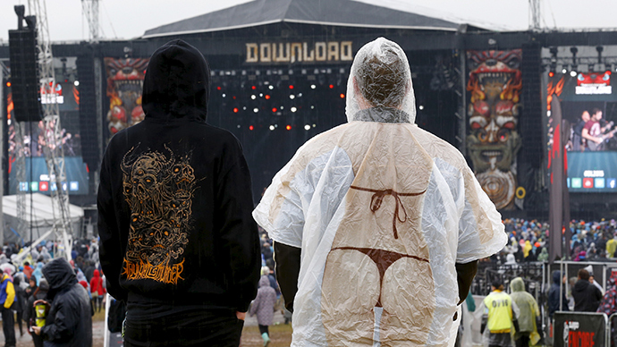Biometric cameras scan festival-goers' faces to target 'organized criminals'