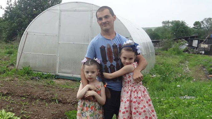 If he can do it... Disabled Russian farmer builds everything with his own hands
