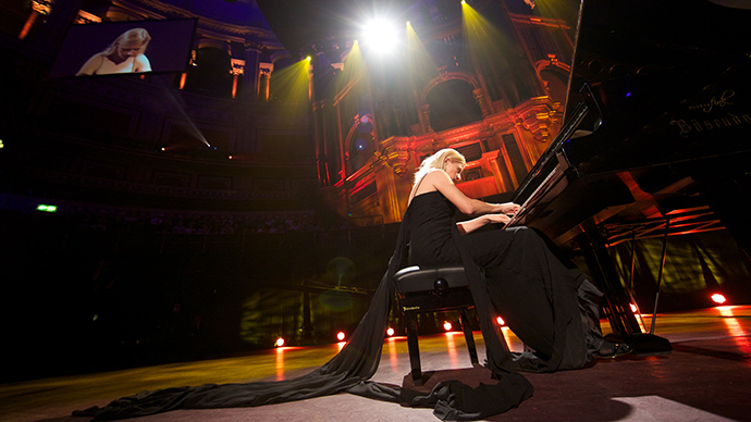 'Real patriotism': World-famous pianist Lisitsa performs for people of Donbass