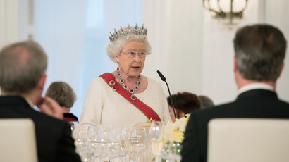 Britain's Queen Elizabeth makes a speech during a state banquet at Bellevue presidential palace in Berlin, Germany June 24, 2015. (Reuters / Bundesregierung / Steffen Kugler)