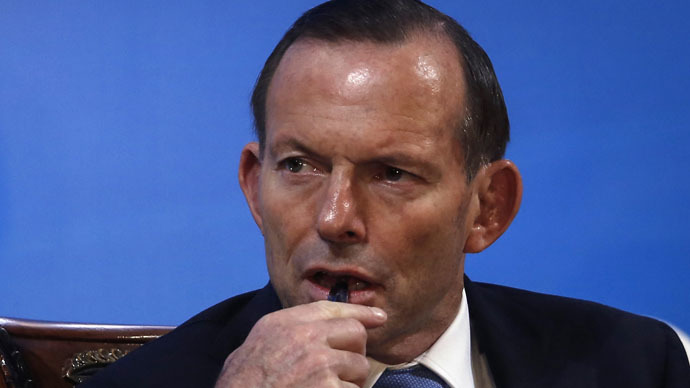 Australia's PM Abbott shown using out-of-date map to spot terrorist strongholds
