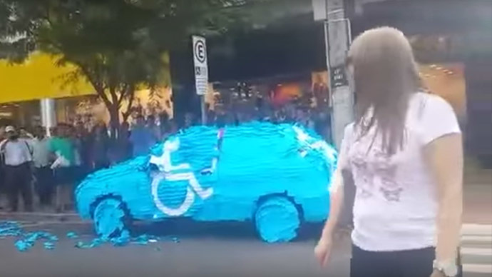 Man learns never to mess with disabled parking in Brazil (VIDEO)