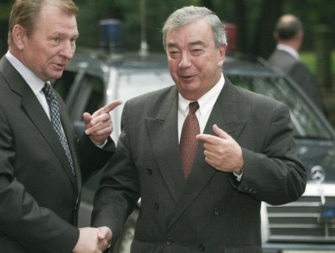 09/19/1998 Russian Prime Minister Evgeny Primakov (R) and Ukrainian President Leonid Kuchma. (RIA Novosti / Sergey Subbotin)
