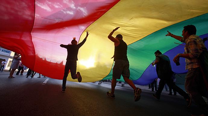 Tweeting Rainbow: Social media explodes in gay pride after SCOTUS ruling