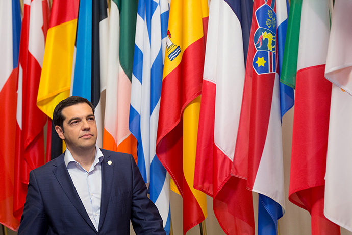 Greek Prime Minister Alexis Tsipras leaves the EU Council headquarters after a European Union leaders summit in Brussels, Belgium, June 26, 2015 (Reuters / Philippe Wojazer)