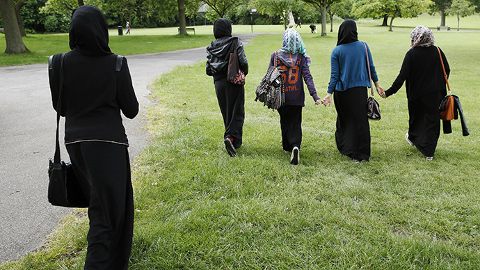 Muslim woman sues Michigan police after forced headscarf removal
