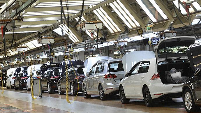 Robot kills a man at Volkswagen plant