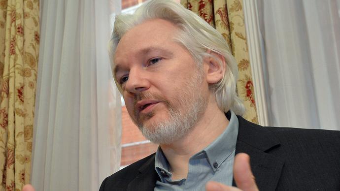 Assange writes open letter to Hollande, Paris rules out asylum