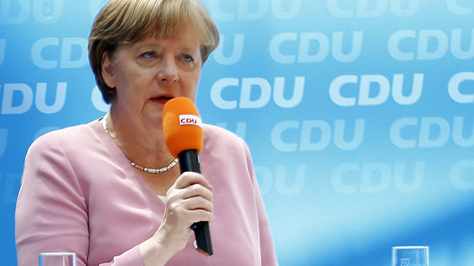 'OXI!': Greek solidarity protesters interrupt Merkel's speech (VIDEO)