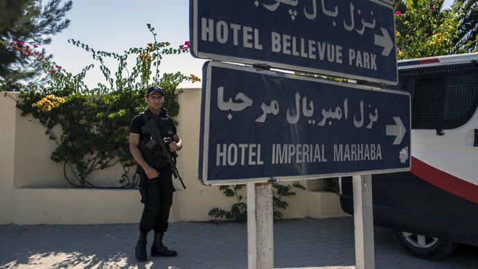 Tunisia terror evacuation sparks diplomatic spat as Britons brought home
