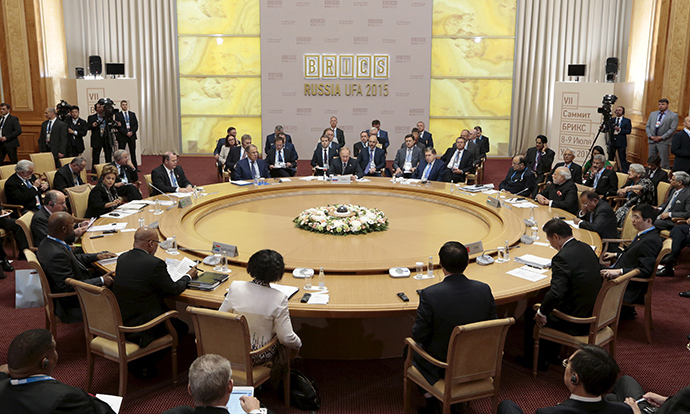 (L-R) Brazil's President Dilma Rousseff, Indian Prime Minister Narendra Modi, Russian President Vladimir Putin, Chinese President Xi Jinping and South African President Jacob Zuma attend a press briefing during the BRICS Summit in Ufa, Russia, July 9, 2015 (Reuters / SCO Photohost / RIA Novosti)