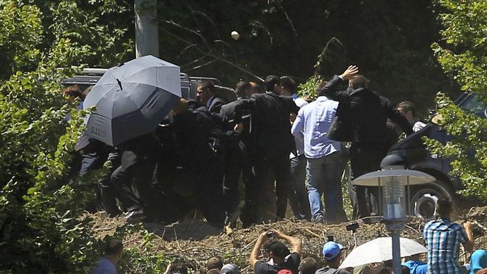Serbia demands investigation after 'deplorable' attack on PM at Srebrenica