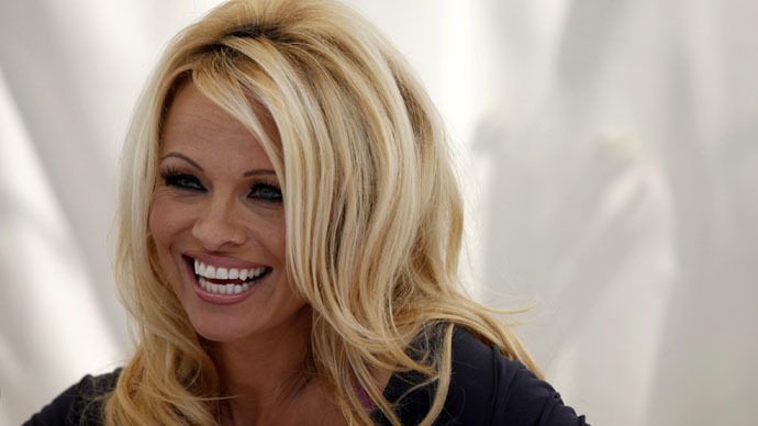 Dinner with Putin: Pamela Anderson wants to talk environment & animal rights with Russian president