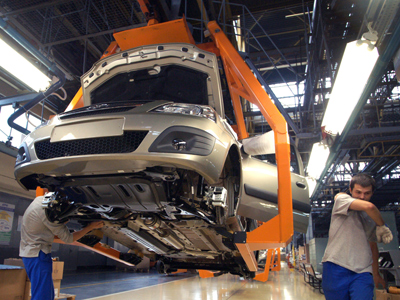 Renault-Nissan to take over Russia's Avtovaz by 2014