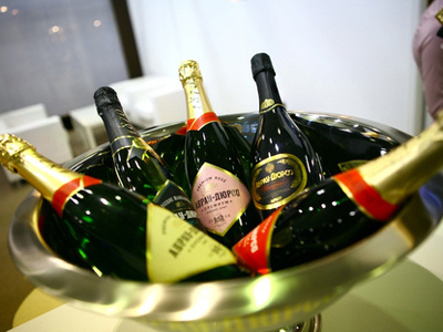 Russian champagne maker plans on going public