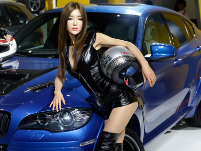Car makers bank on luxury, high demand at Beijing Auto Show (PHOTOS)