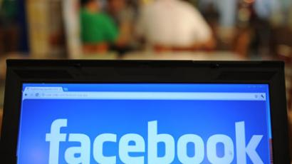 Facebook profits drop 79% but mobile ad revenue takes off