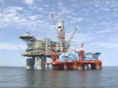 Gazprom eyes 50% stake in Sakhalin-2