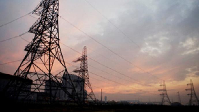 Government turns up voltage on power investors
