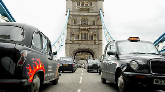 Hail a cab: Chinese auto maker to buy London taxi maker