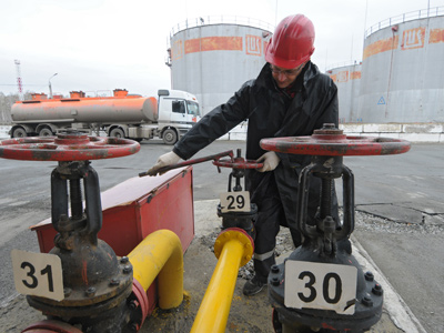 Lukoil executive: Iran tension to effect long term on oil market