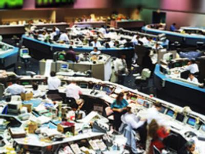 Market Watch December 12: Russian stocks lower as 'Carmaggedon' looms