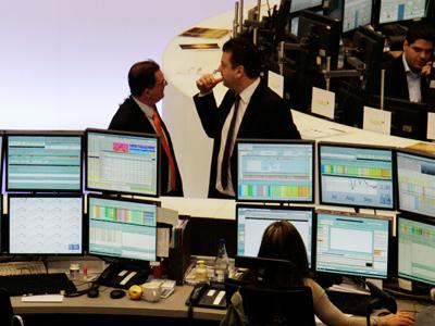 Market Buzz: Indices go zigzag