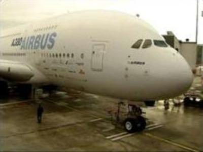 Media crowd takes a joy-ride on A380