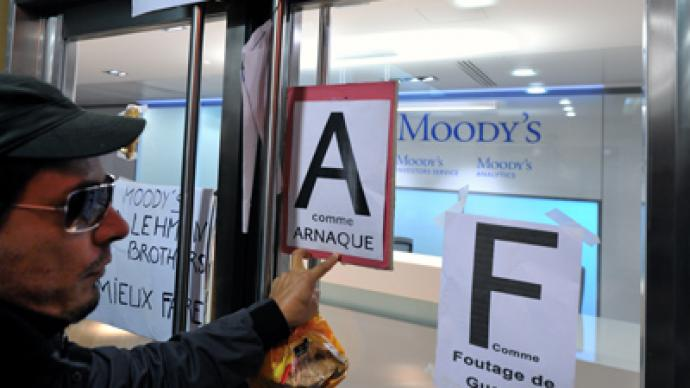 Moody's: Spain three notches down, Cyprus two