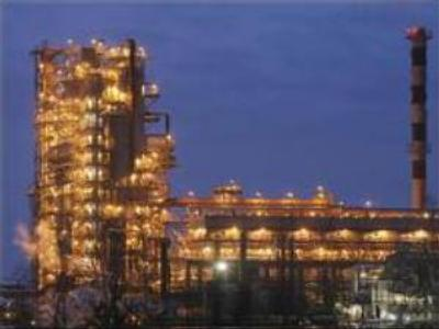 Oil industry investing in refineries
