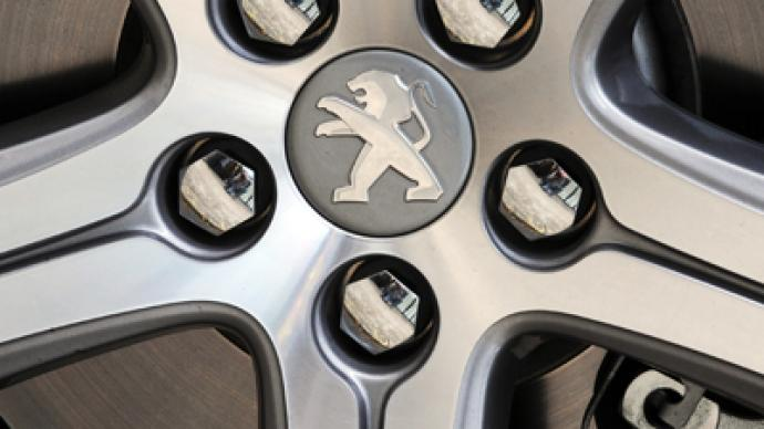 Peugeot strikes back at government over job cut plans