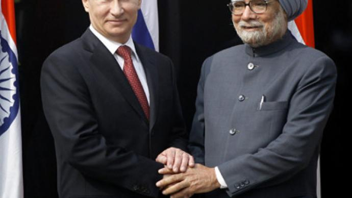 Russia signs $3bn arms deals with India