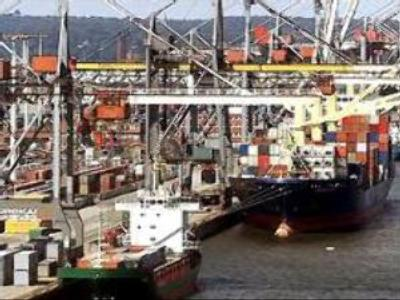 Russia to use tax-free ports to attract freight