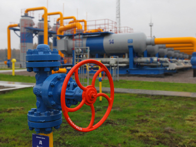 Ukraine backs down from gas clash with Russia