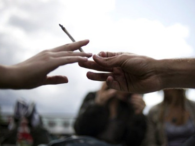 Dutch court bans pot for foreigners