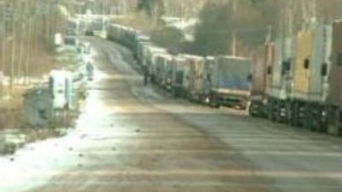 Trucks snarl up hits Latvia-Russia border crossing