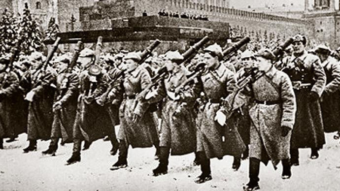 Moscow remembers legendary WWII parade and heroes