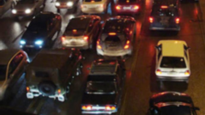 Amazing Russian 'know-how' tackles traffic jams
