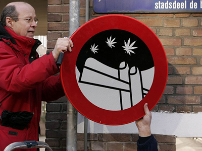Dutch cannabis coffee shops to be compensated over tourist laws